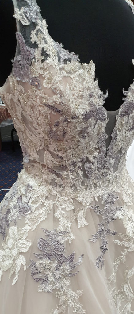 Lace wedding dress detal
